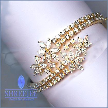 Diamond Jewelery with Latest Designs